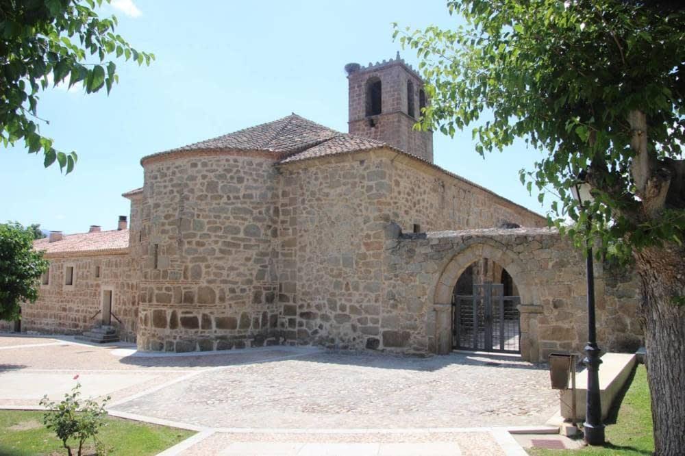 Visitamos Burgohondo desde esta casa rural en Avila, Gredos