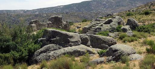El Castro de Ulaca, otro lugar para visitar desde tu casa rural en Avila o Gredos.